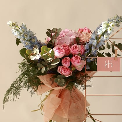 livrare-flori-piatra-neamt-florarie-online-hi-gift-and-more