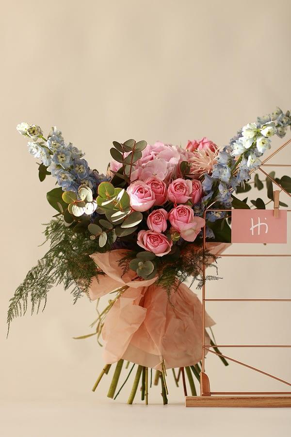 livrare-flori-piatra-neamt-florarie-online-hi-gift-and-more